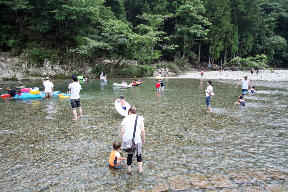 京都の川遊びスポット!美山町自然文化村キャンプ場まとめ!